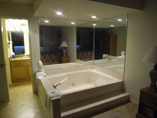 Master Bedroom Jacuzzi Tub
