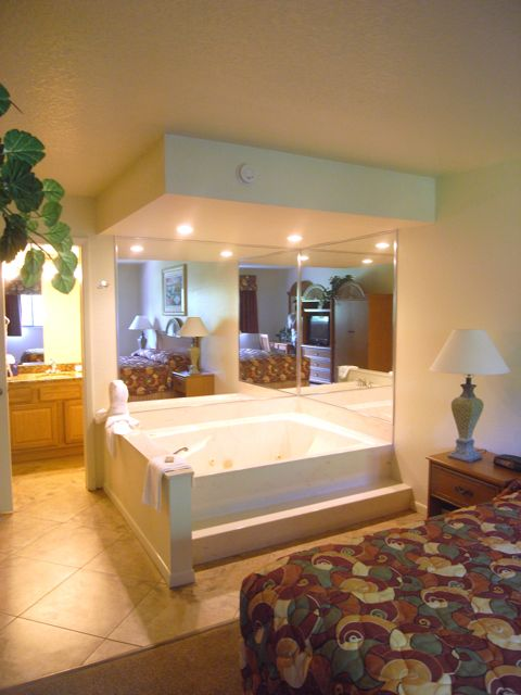 Superb Master Bedroom Jacuzzi Tub
